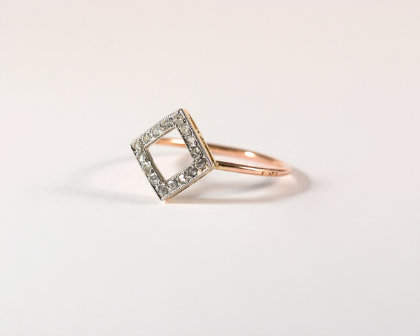 GM434-1 ICYMI recréation Bague losange or jaune, platine et diamants taille rose - Gold platinum and rose cut diamond ring