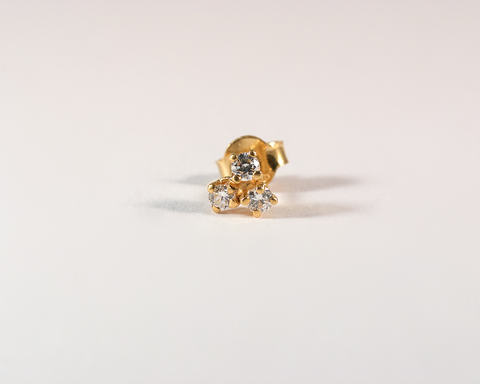 GM440-3 ICYMI Puce d'oreille or jaune et trois diamants - Gold and diamond single earstud