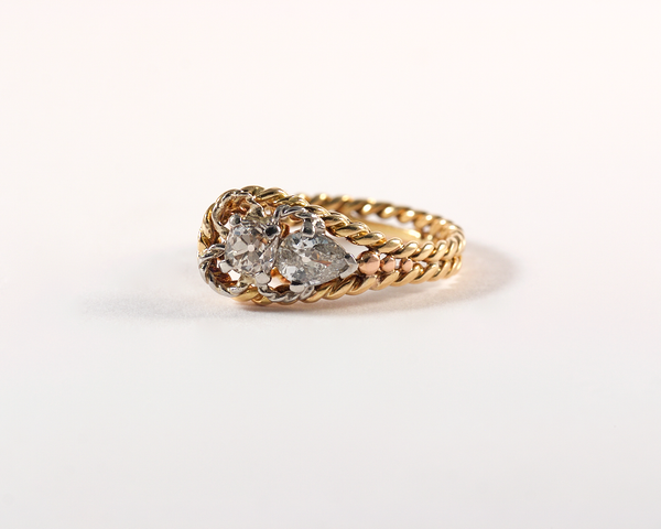 GM441-2 ICYMI Bague ancienne torsade or jaune diamant coussin diamant poire - Gold and diamond braided vintage antique ring