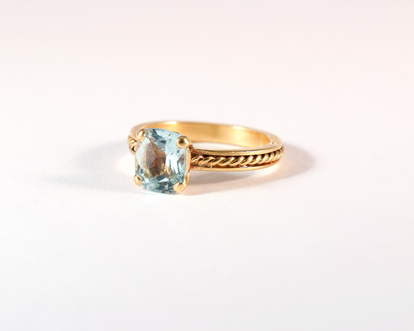 GM466 - ICYMI Bague ancienne or jaune torsadé et aigue marine - Gold braided and aquamarine vintage antique ring