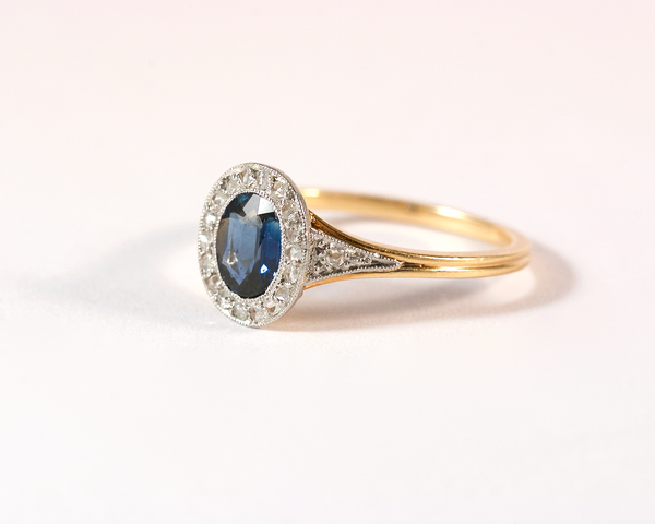GM469-1 ICYMI Bague ancienne or jaune et platine saphir entourage diamants - Vintage antique gold sapphire and diamond ring