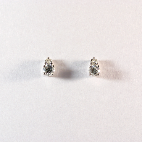 GM481-4 ICYMI Paire de puces d'oreilles or gris et deux diamants - Gold and two diamond ear stud