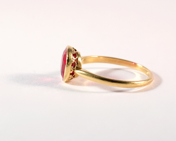 GM491-2 ICYMI Bague or jaune et pierre rouge - Gold and red pinkish stone ring