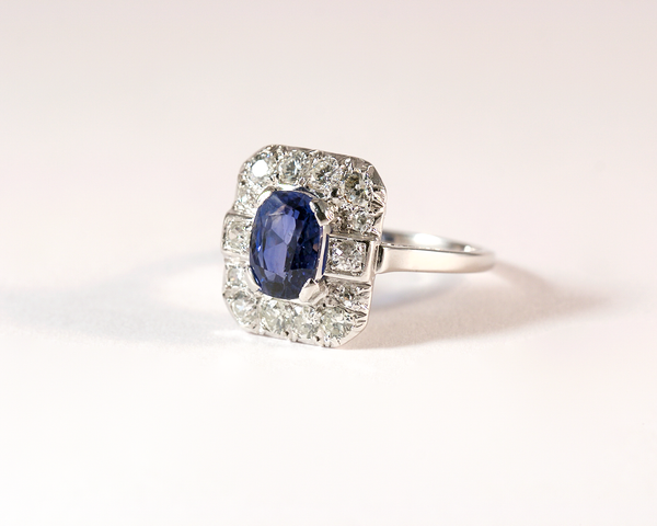 GM499-1 ICYMI Bague ancienne platine saphir et entourage diamants - Platinum vintage sapphire and diamond deco ring