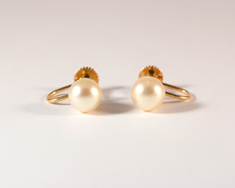 GM504-1 ICYMI Paire de clous d'oreilles or jaune perles attache à vis - Gold and pearl earstuds vintage