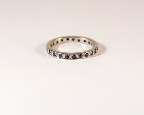 GM507-2 ICYMI Alliance américaine or blanc et saphirs - Gold and sapphire eternity wedding band ring