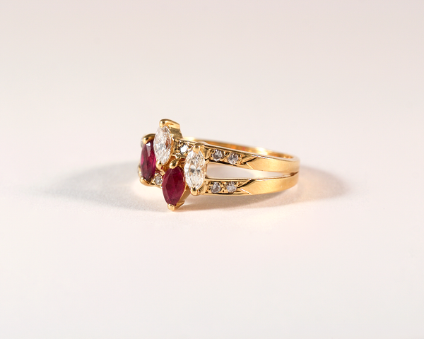 GM511 ICYMI Bague or jaune double jonc diamant et rubis navette - Gold ruby and diamond marquise shape double vintage antique ring