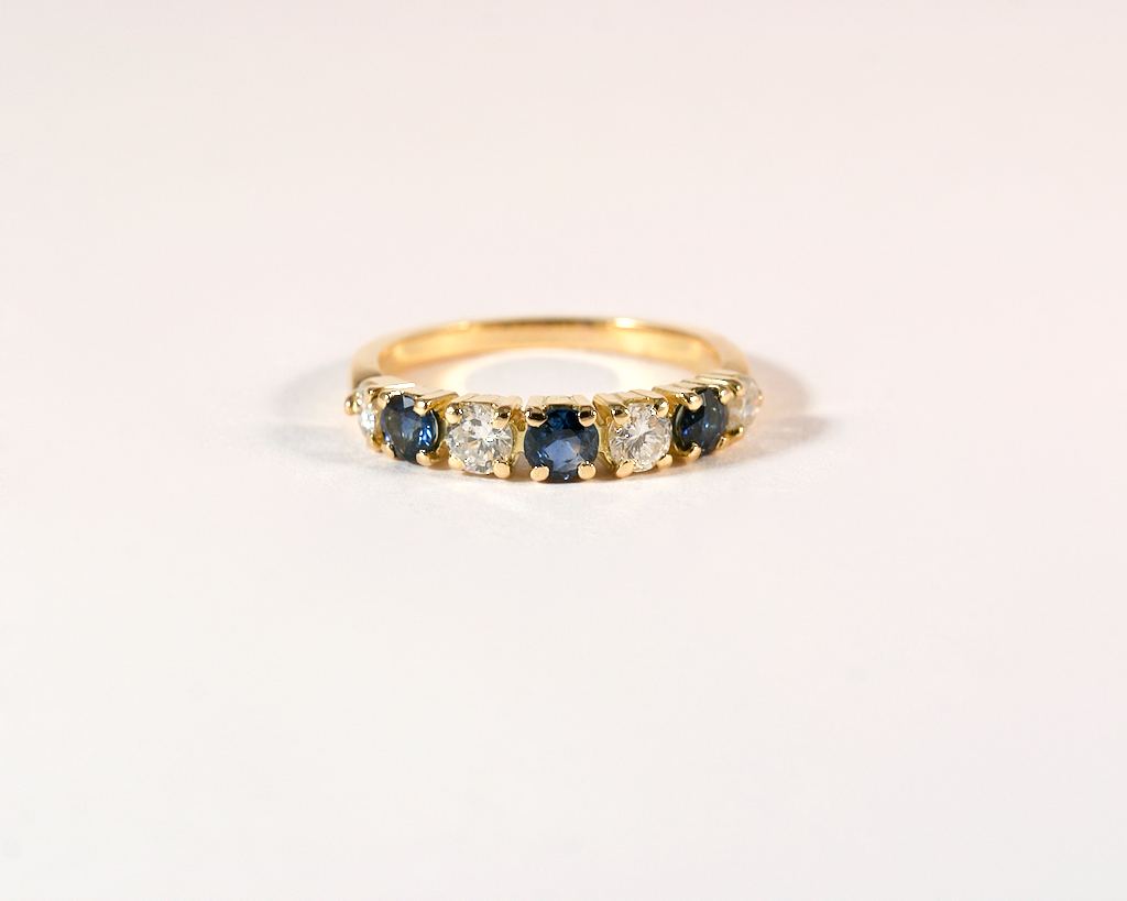 GM532-3 ICYMI Demie Alliance or jaune saphirs et diamants - Gold sapphire and diamond half wedding band ring vintage