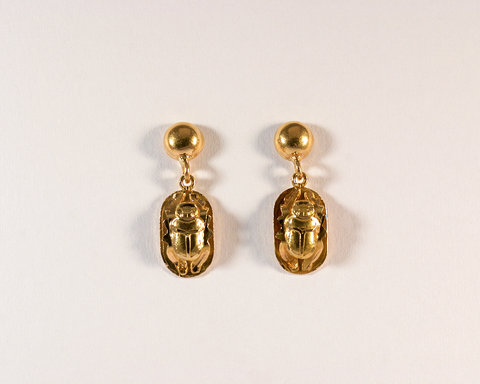 GM541-1/2 ICYMI Paire de boucles d'oreilles scarabée en or jaune - Gold scarab earrings antique vintage