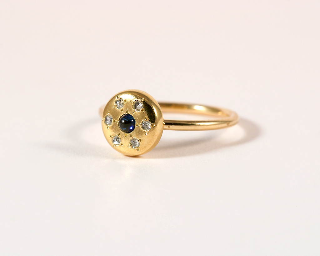 GM56-2 ICYMI Recréation bouton de col or jaune, diamants et saphir en bague - Transformation vintage antique collar stud yellow gold sapphire and diamond ring