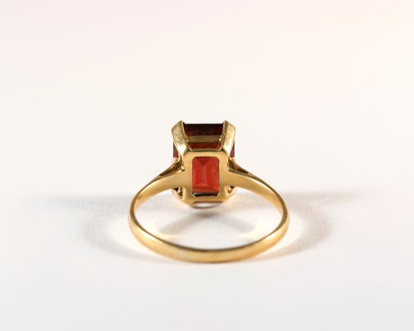 GM562 ICYMI Bague ancienne or jaune grenat taille émeraude - Gold and emerald cut garnet yellow gold vintage antique ring