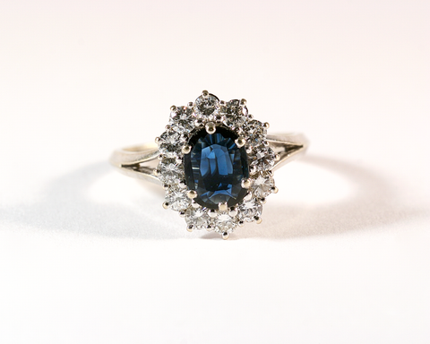 GM565-2 ICYMI Bague ancienne marguerite or gris diamants saphir - Gold vintage antique sapphire and diamond cluster ring