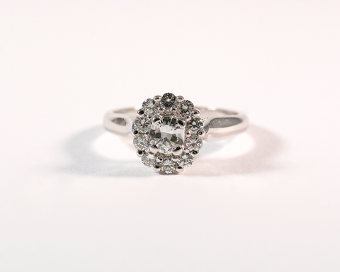 GM568 ICYMI Bague ancienne marguerite or blanc tout diamants - White gold and full diamond cluster ring