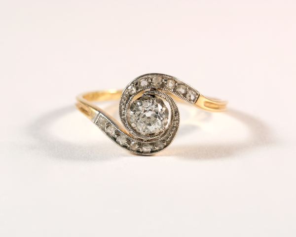 GM577 ICYMI Bague ancienne tourbillon or platine solitaire diamant taille ancienne - Gold platinum and diamond whirlpool antique vintage ring