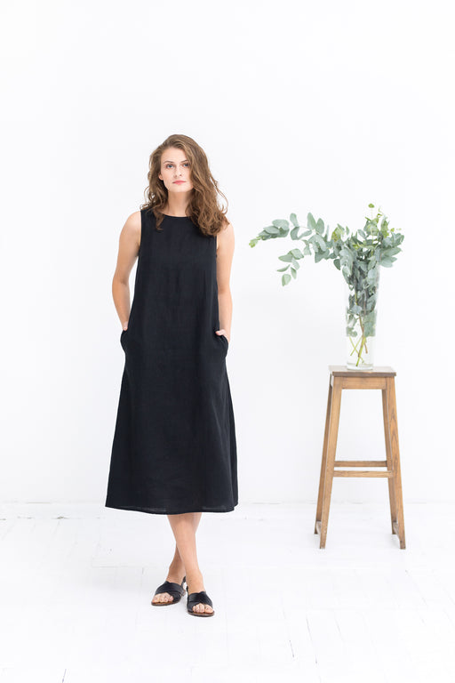 The Penelope linen dress (black)