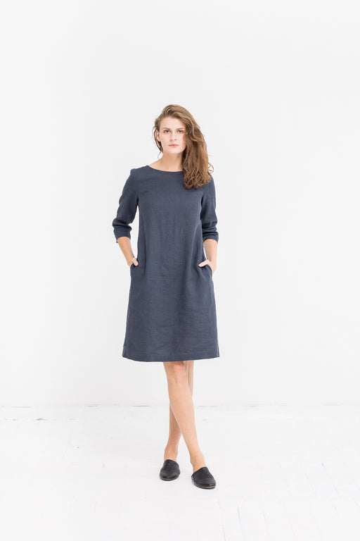 The Scarlet linen dress (grey)