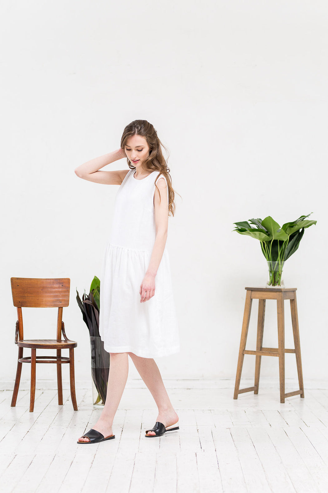 The Adriana linen dress (white)