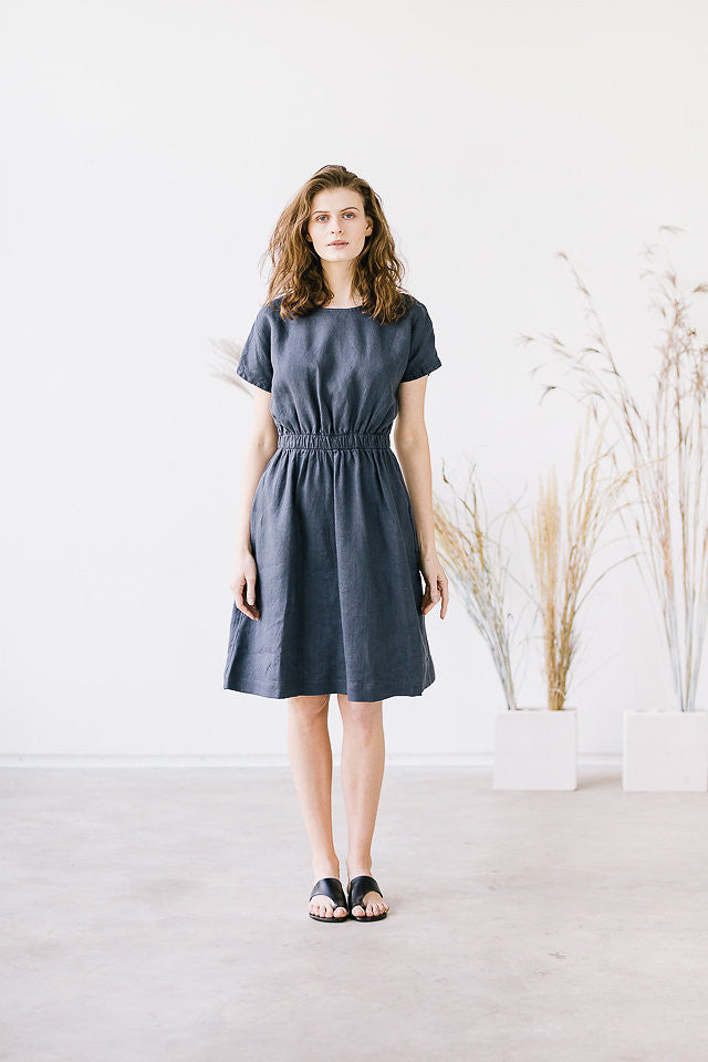 The Francine linen dress (gray)