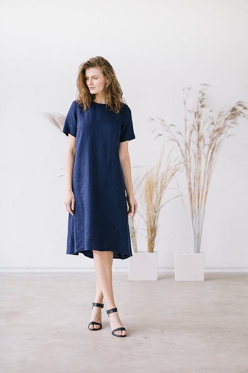 The Giselle linen dress (dark blue)