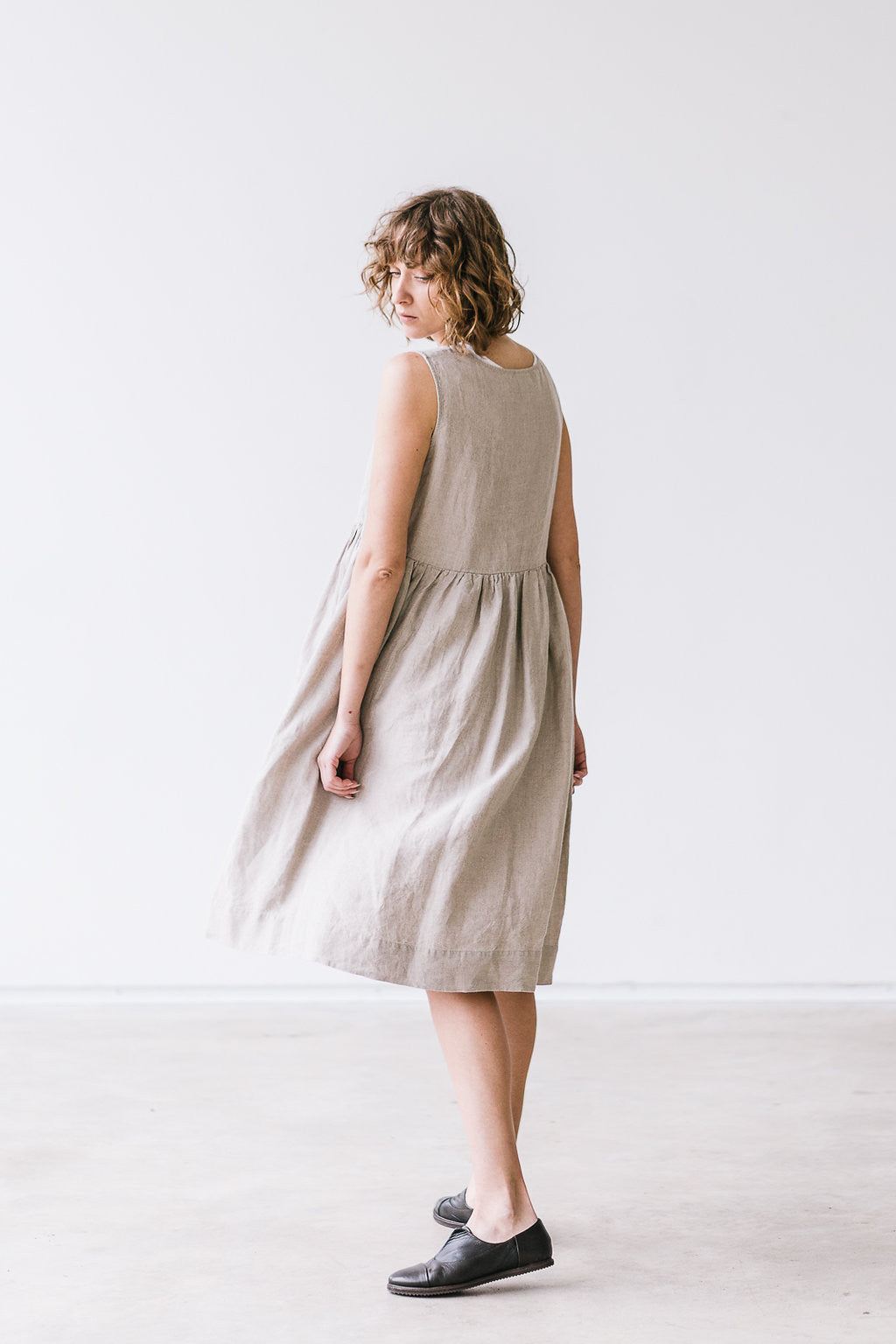 The Alisha linen romantic smock dress (natural)