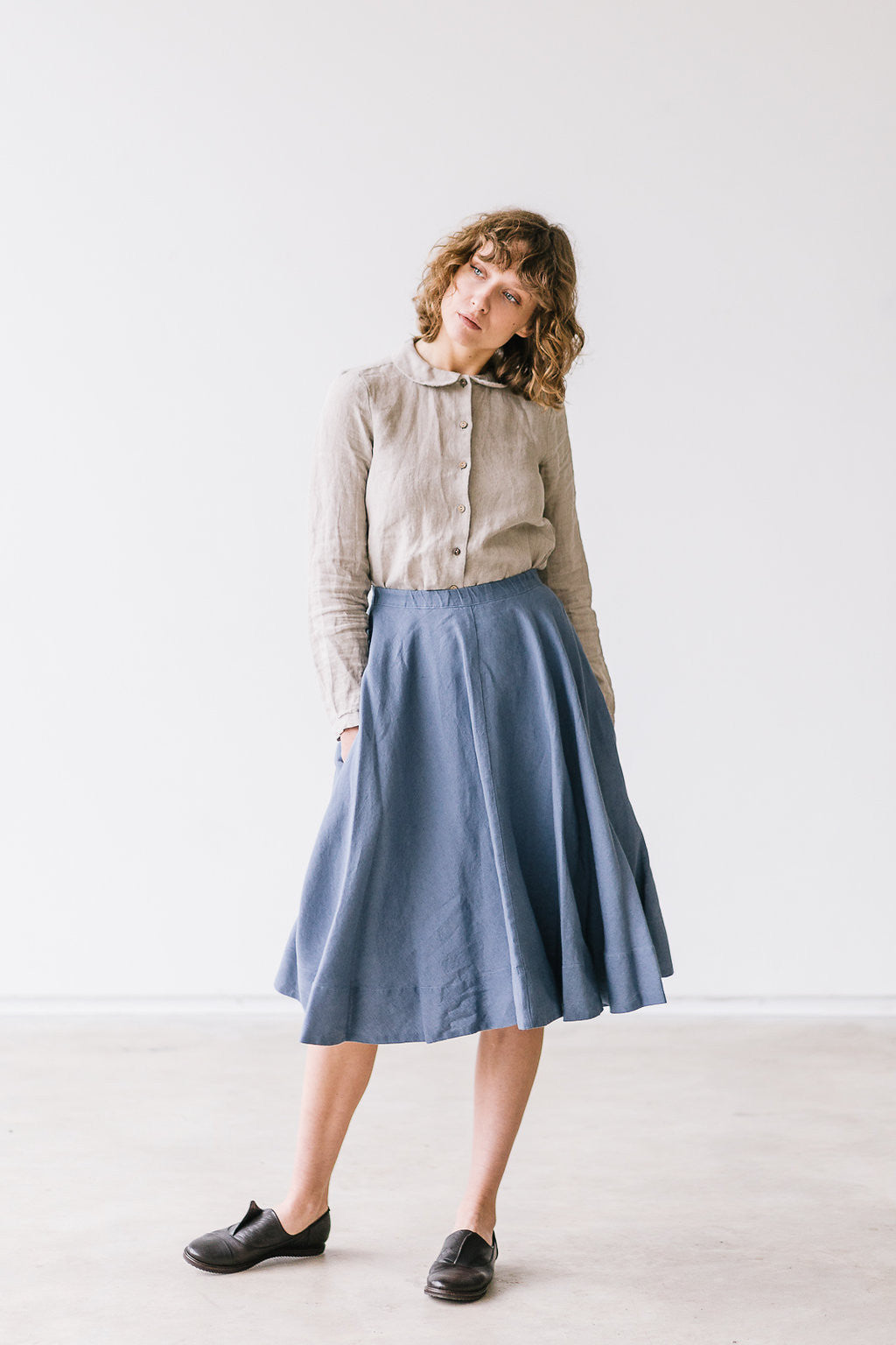The Blair linen classic skirt (blue)