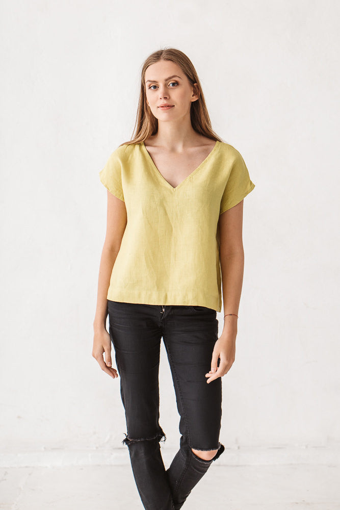 The Eunice basic linen top (lime yellow)