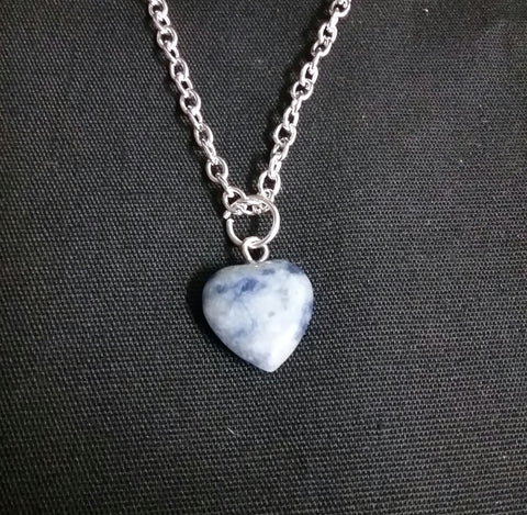 HEART SHAPED STONE NECKLACE