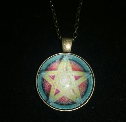 YELLOW CENTER PENTACLE NECKLACE