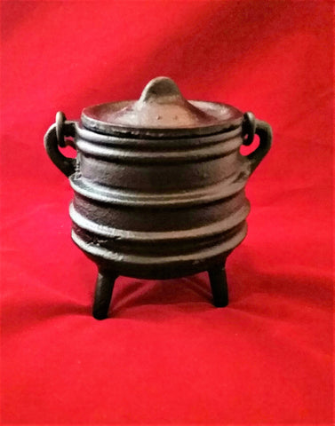 CAST IRON CAULDRON WITH LID