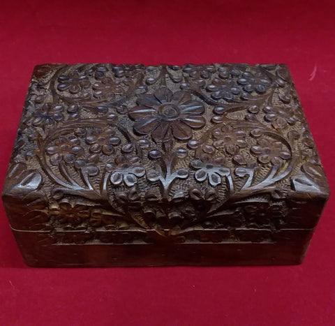 CARVED WOODEN BOX 4X6