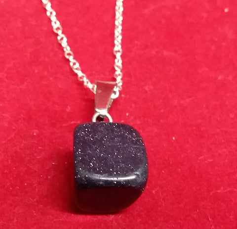 BLUE SANDSTONE TUMBLED STONE NECKLACE