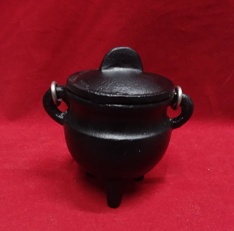 SMALL CAST IRON CAULDRON WITH LID (NO DESIGN)