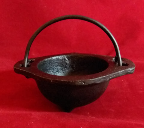CAST IRON CAULDRON 2.5 in.