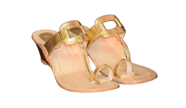Women Square Plain Wedge Gold Kolhapuri Chappal