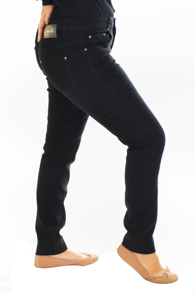 6056 Black Straight Cut Jeans