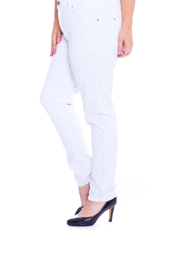 6054 White Straight Cut Jeans