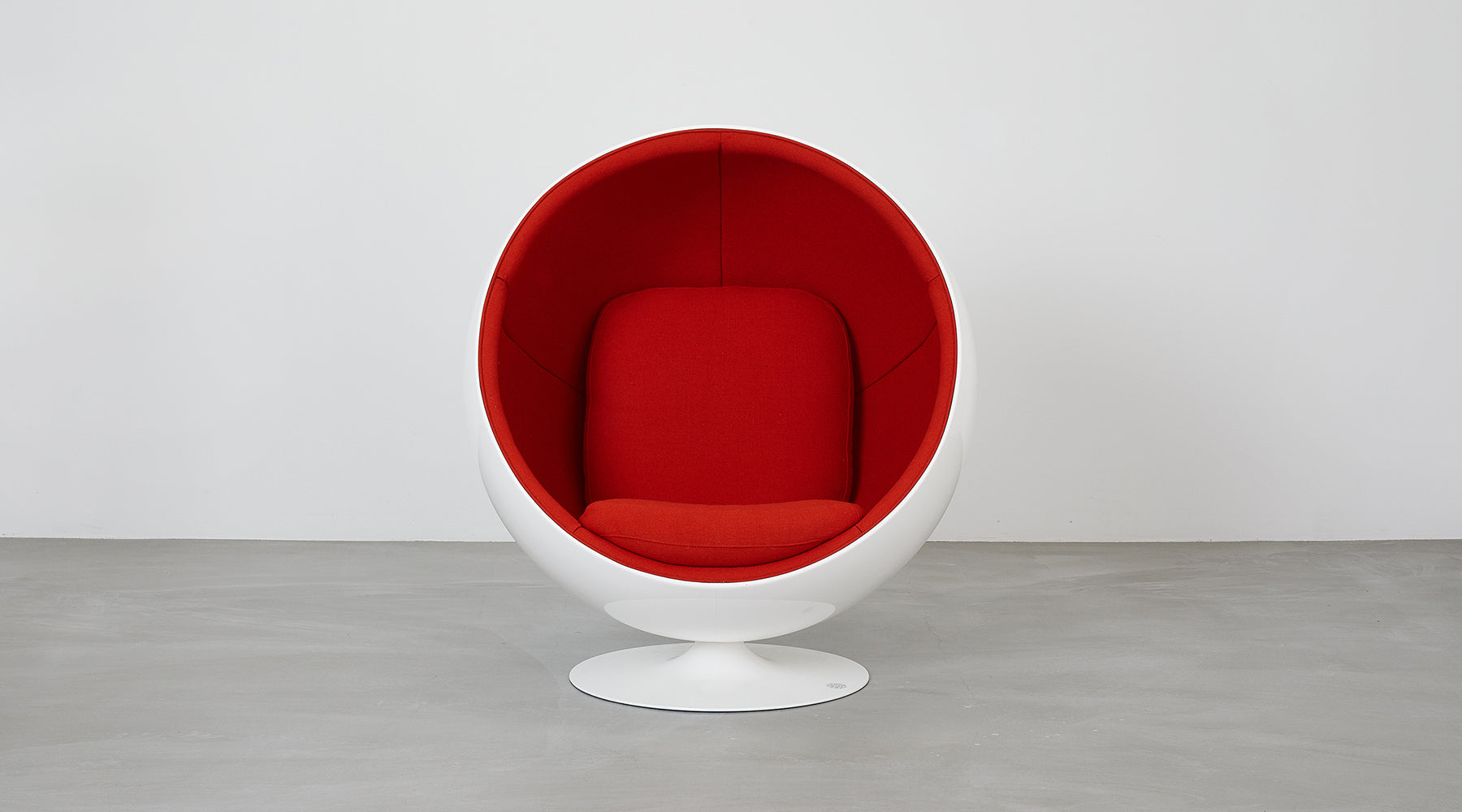 Eero Aarnio Originals Red Ball Chair