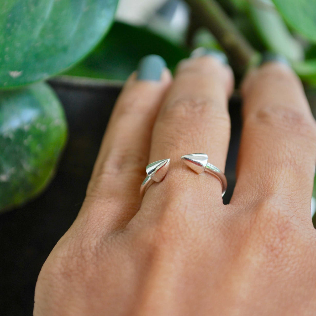 Game On - Double Arrow Ring
