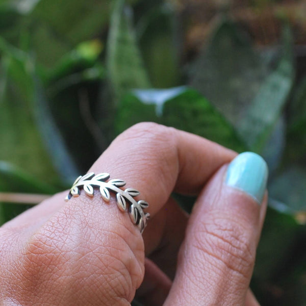 Game On: Olive Wreath Ring