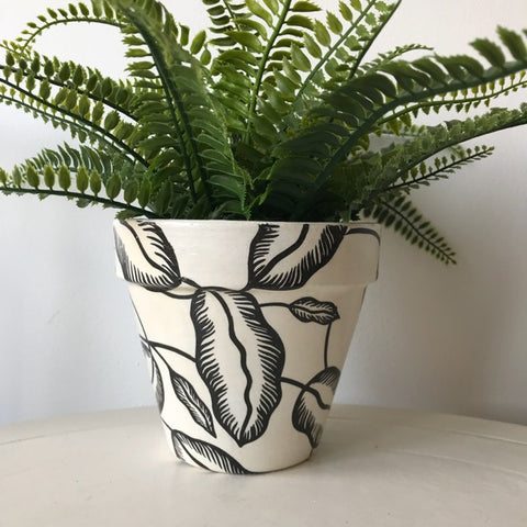 Banana Leaf Medium Plant Pot 15cm - Palm Pot & Peony