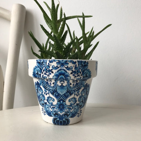 Blue and White Damask Small Plant Pot 11cm - Palm Pot & Peony