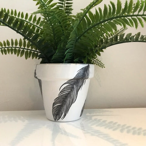 Black Feather Medium Plant Pot 13cm - Palm Pot & Peony