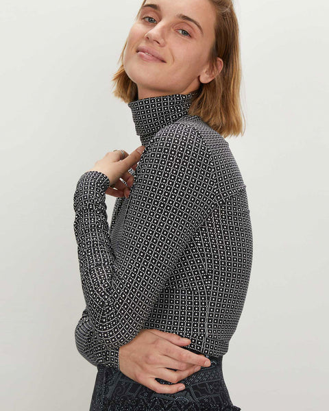 Turtleneck | Batik White Grid