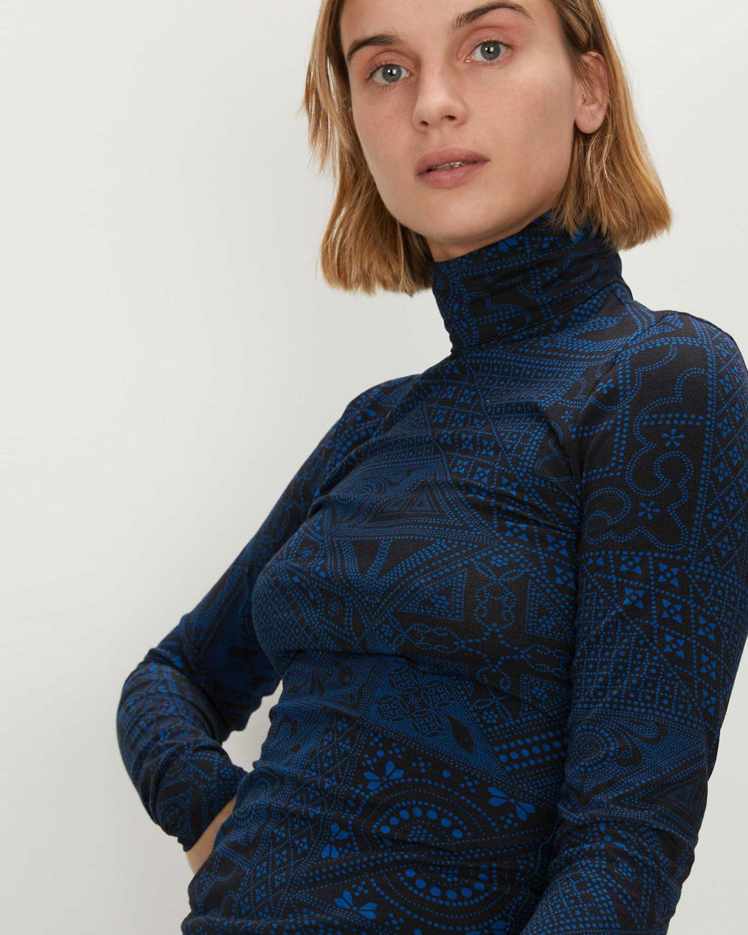 Turtleneck | Black Blue Batik
