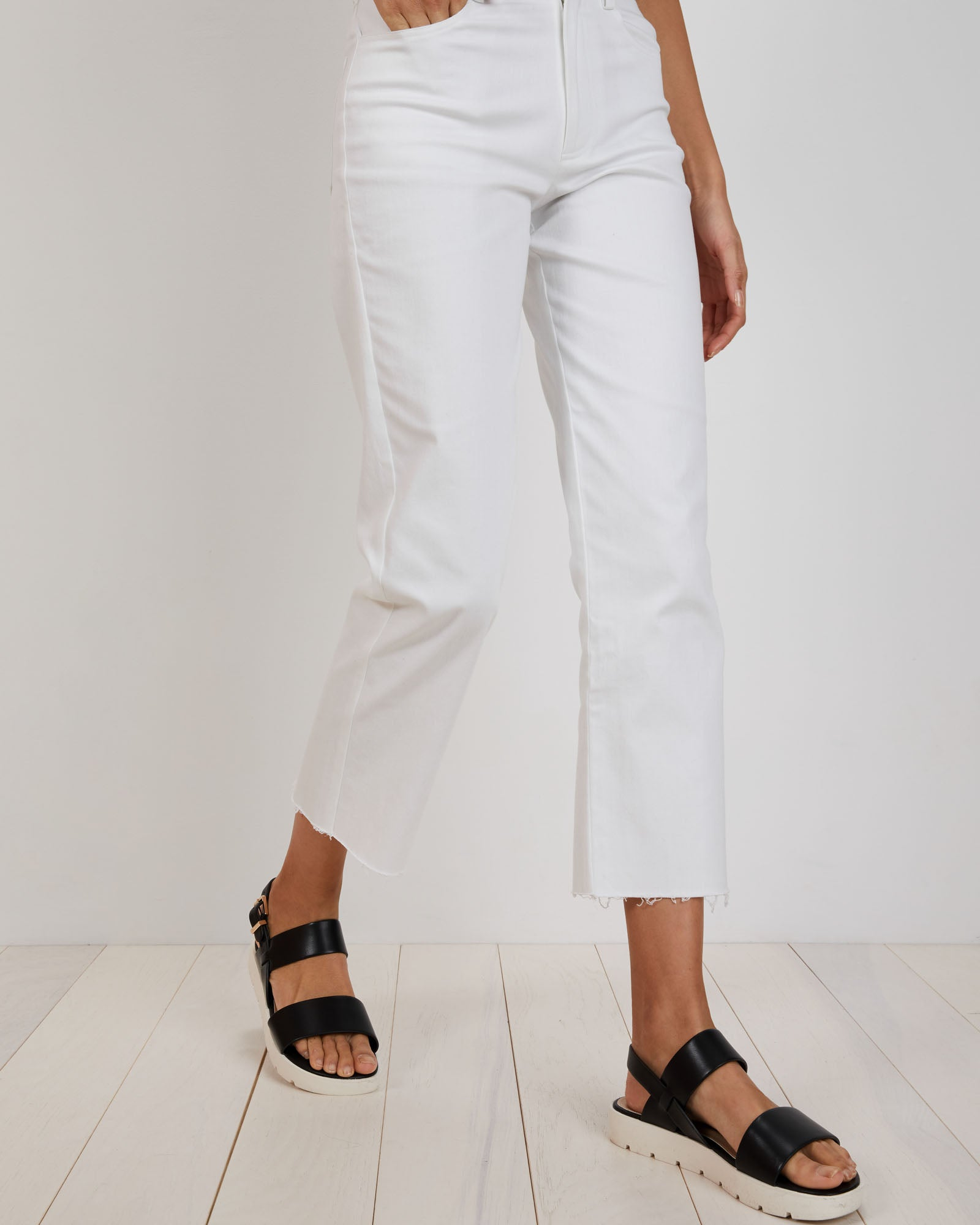 Cropped Alexa Jean | White