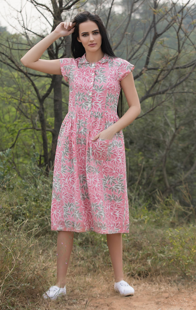 The Daisy Dress in Pink print.