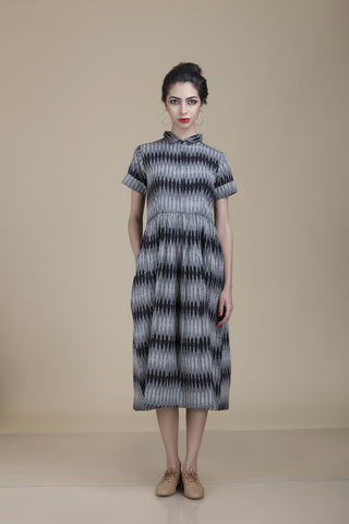 Meera Collar Grey and Black Ikat