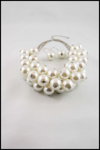 Imitation Pearl Cluster Necklace and Earring Set