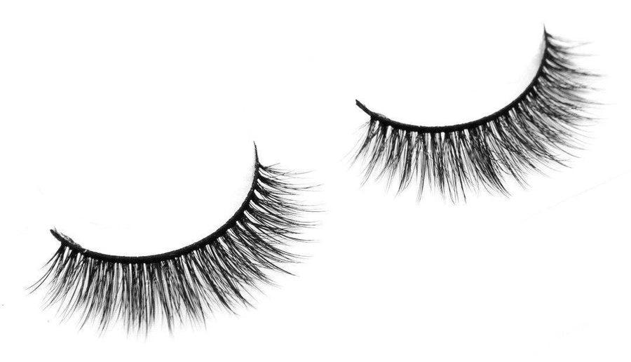 CR15-Eyelashes-Coloured Raine Cosmetics
