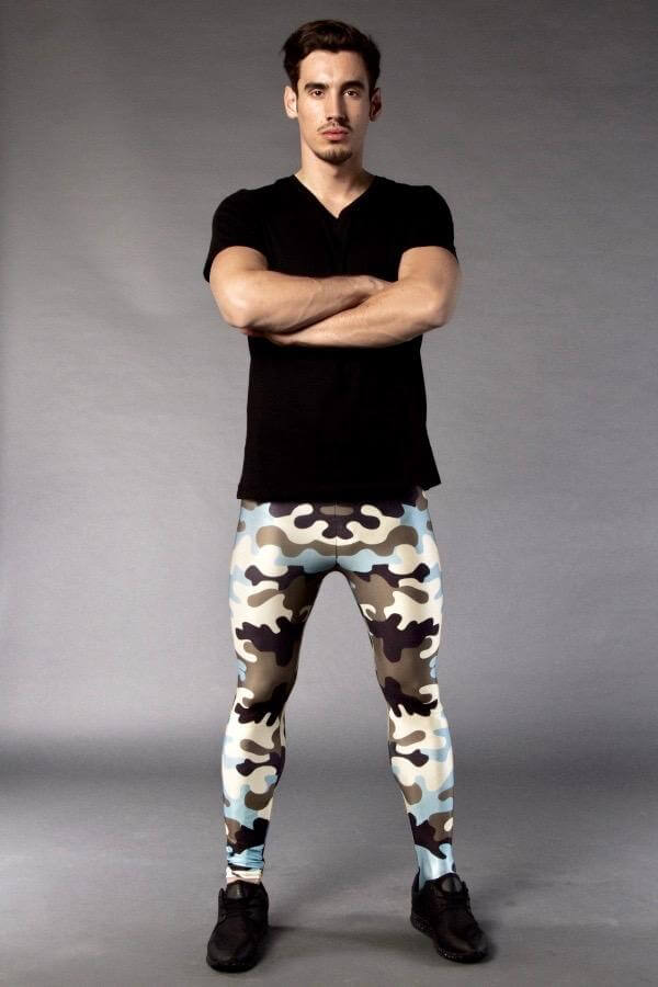 Man posing in Kapow Meggings army camouflage men's leggings